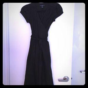 GAP BLACK LINEN MIDI WRAP DRESS—LIKE-NEW!